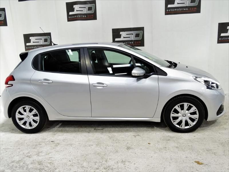 Photo 2 du véhicule PEUGEOT 208 1.6 BlueHDi 100ch Active Business S&S 5p
